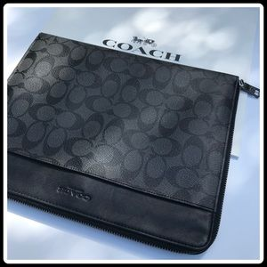 Coach Tech case
